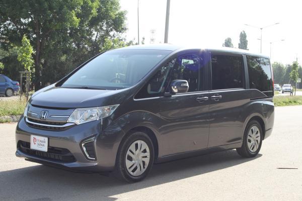 Honda Stepwgn 2018 серый