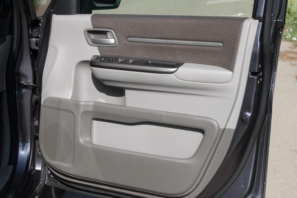 Honda Stepwgn V Рестайлинг серый дверь