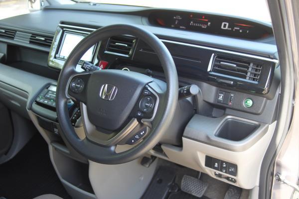 Honda Stepwgn V Рестайлинг руль