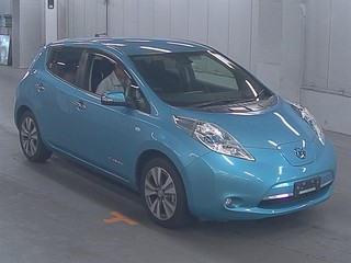 Nissan Leaf I blue спереди