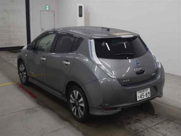 Nissan Leaf I grey сзади