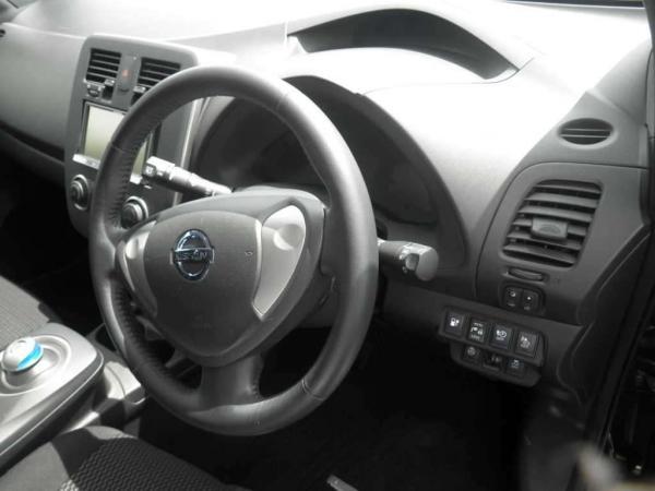 Nissan Leaf I руль
