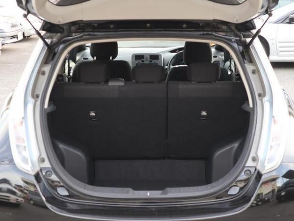 Nissan Leaf I багажник