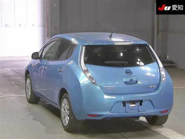 Nissan Leaf I голубой сзади