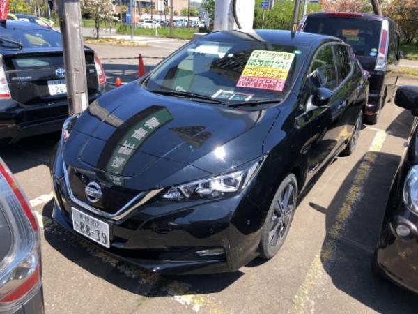 Nissan Leaf II 2017 чёрный спереди