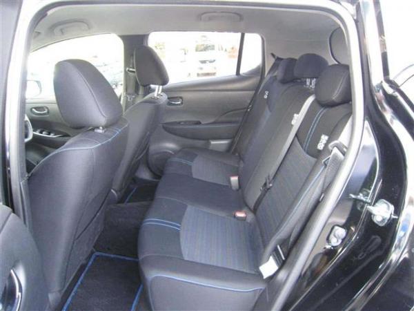 Nissan Leaf II задние сидения