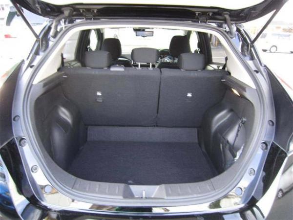 Nissan Leaf II багажник