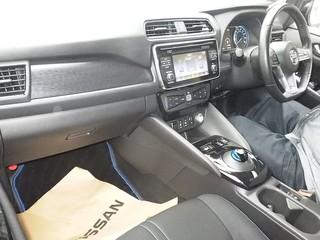Nissan Leaf II салон