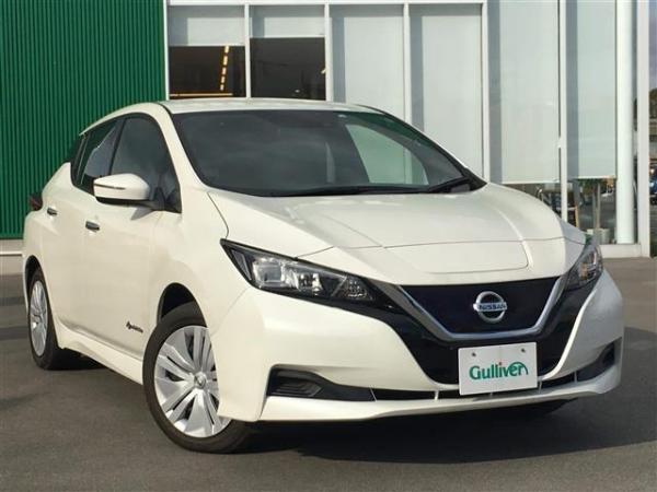 Nissan Leaf II белый