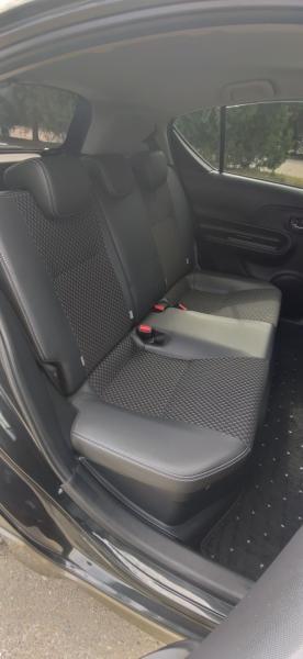 Toyota Aqua 2015 внутри