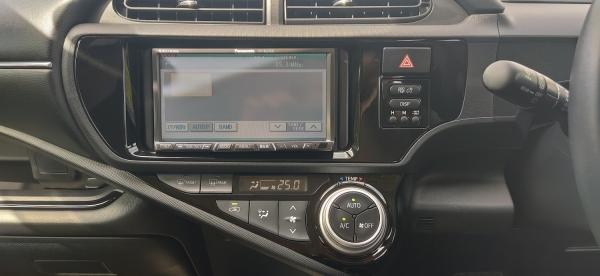 Toyota Aqua I Рестайлинг приборы