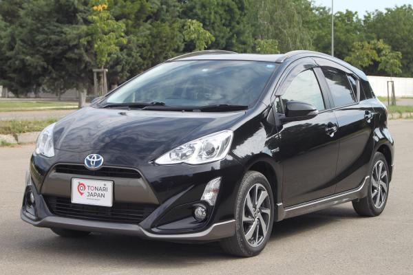 Toyota Aqua 2015 черный