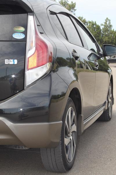Toyota Aqua I Рестайлинг черный задняя фара