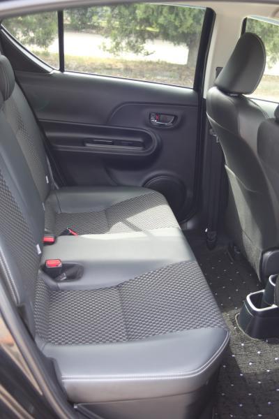 Toyota Aqua I Рестайлинг сидения