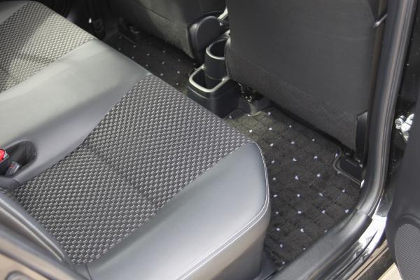Toyota Aqua I Рестайлинг ковры