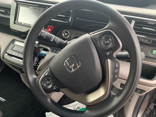 Honda Stepwgn V Рестайлинг