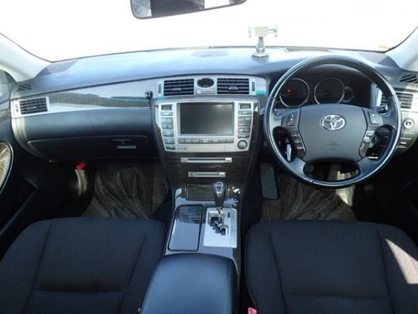 Toyota Crown Majesta IV Рестайлинг