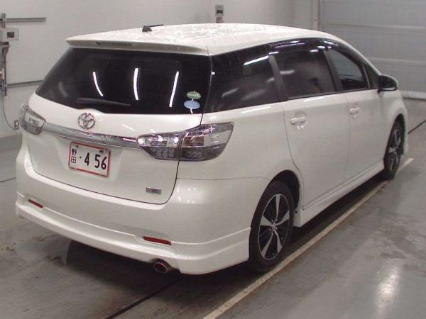 Toyota Wish II Рестайлинг
